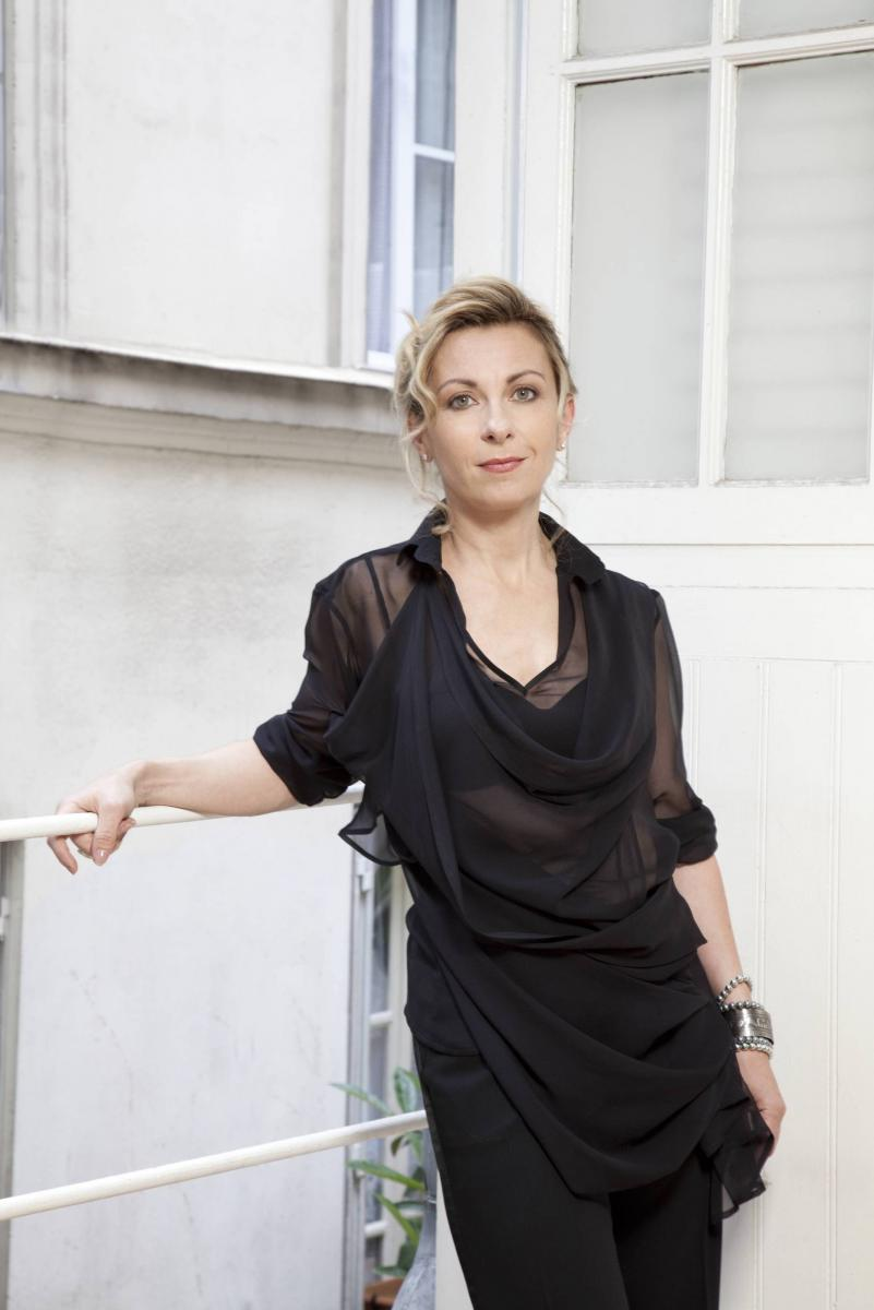 and natalie dessay Natalie dessay - between yesterday and tomorrow this item: between yesterday and tomorrow by natalie dessay audio cd $1277 only 12 left in stock (more on the way.